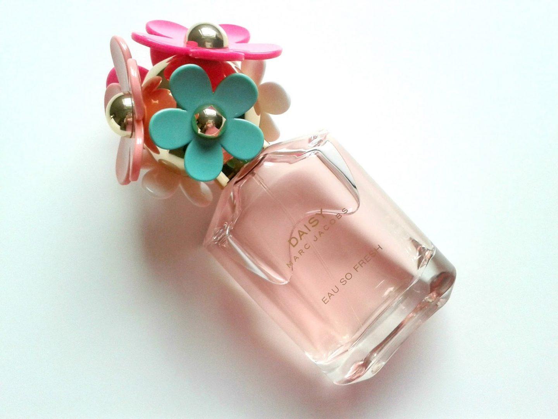 3d537c7b87c0 Marc Jacobs Daisy Eau So Fresh Delight EDT Beauty Review Bottle